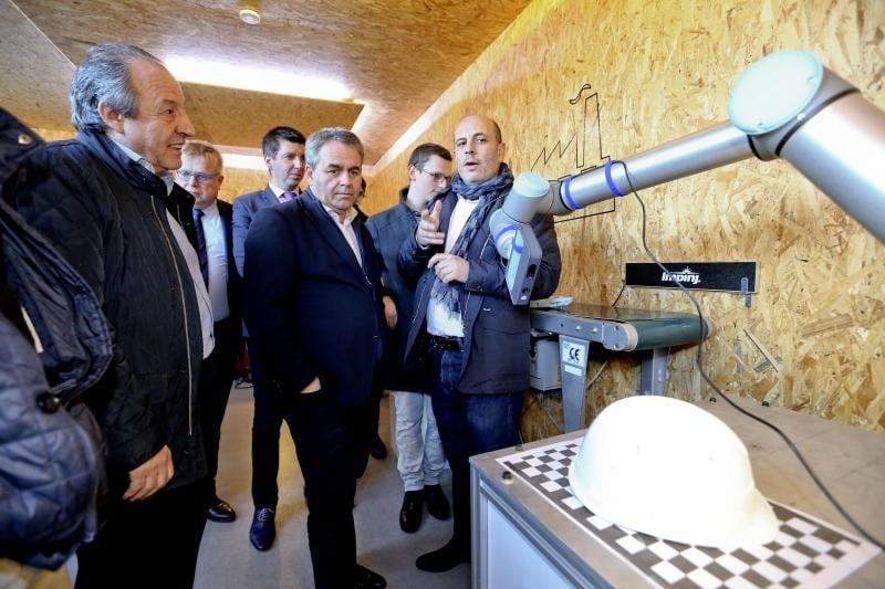 Visite du Smart Living Lab par Xavier Bertrand et Yves Noirot